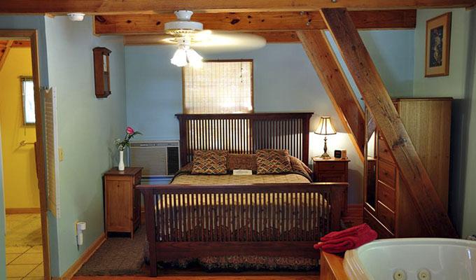 Kingfisher Cabin Bedroom