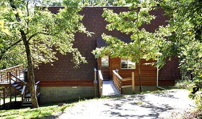 Kingfisher Cabin Entrance