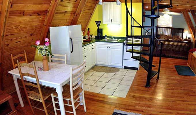 Kingfisher Cabin Kitchen