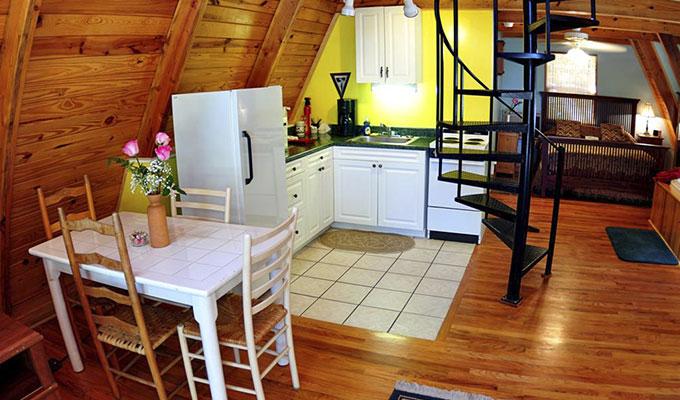 Kingfisher Cabin Kitchen