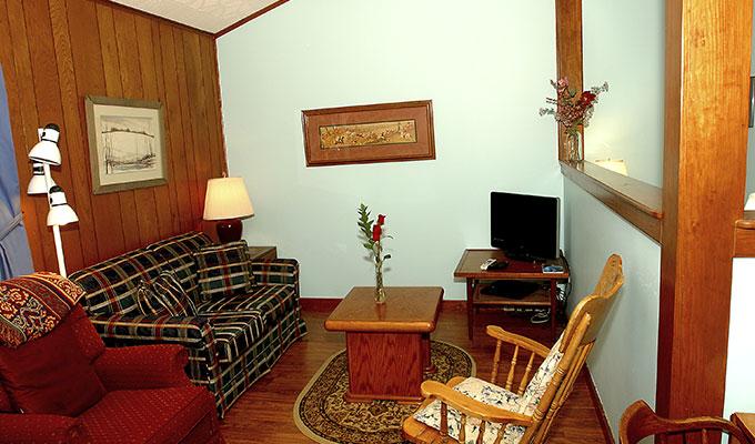 Meadowlark Pool Suite Living Room