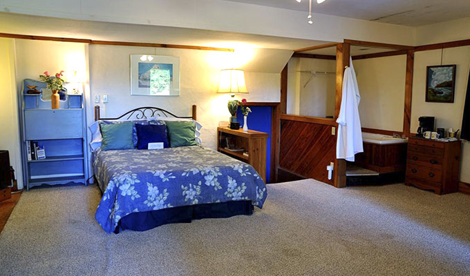 Sandpiper Adult Mini-Suite Bedroom