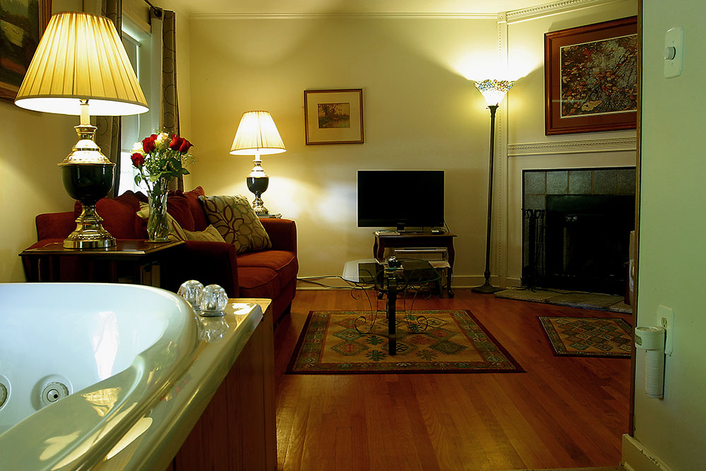Whippoorwill Adult Suite Eureka Springs Lodging Adult Suites